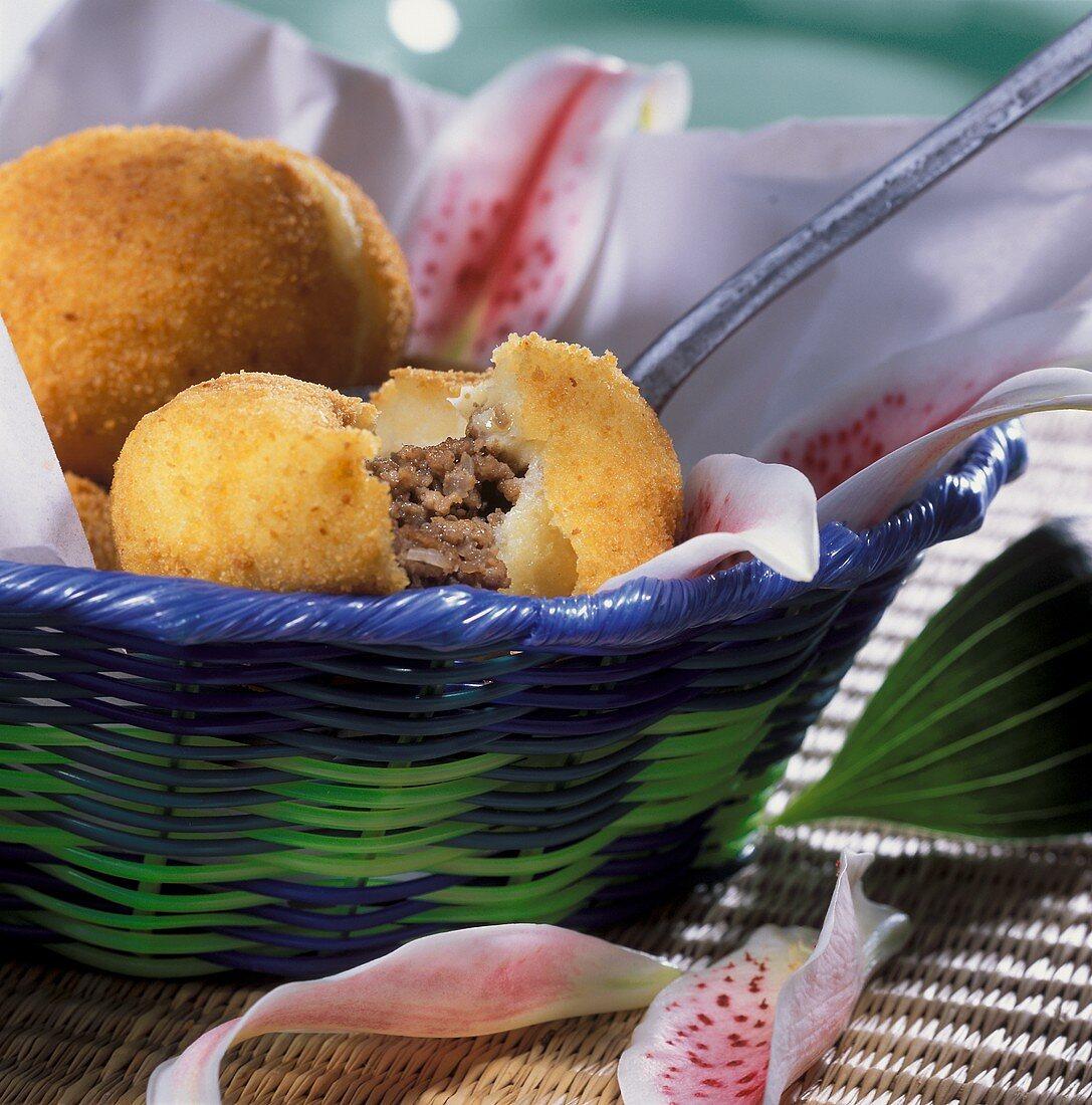 Potato cakes with mince stuffing (Papas rellenas)