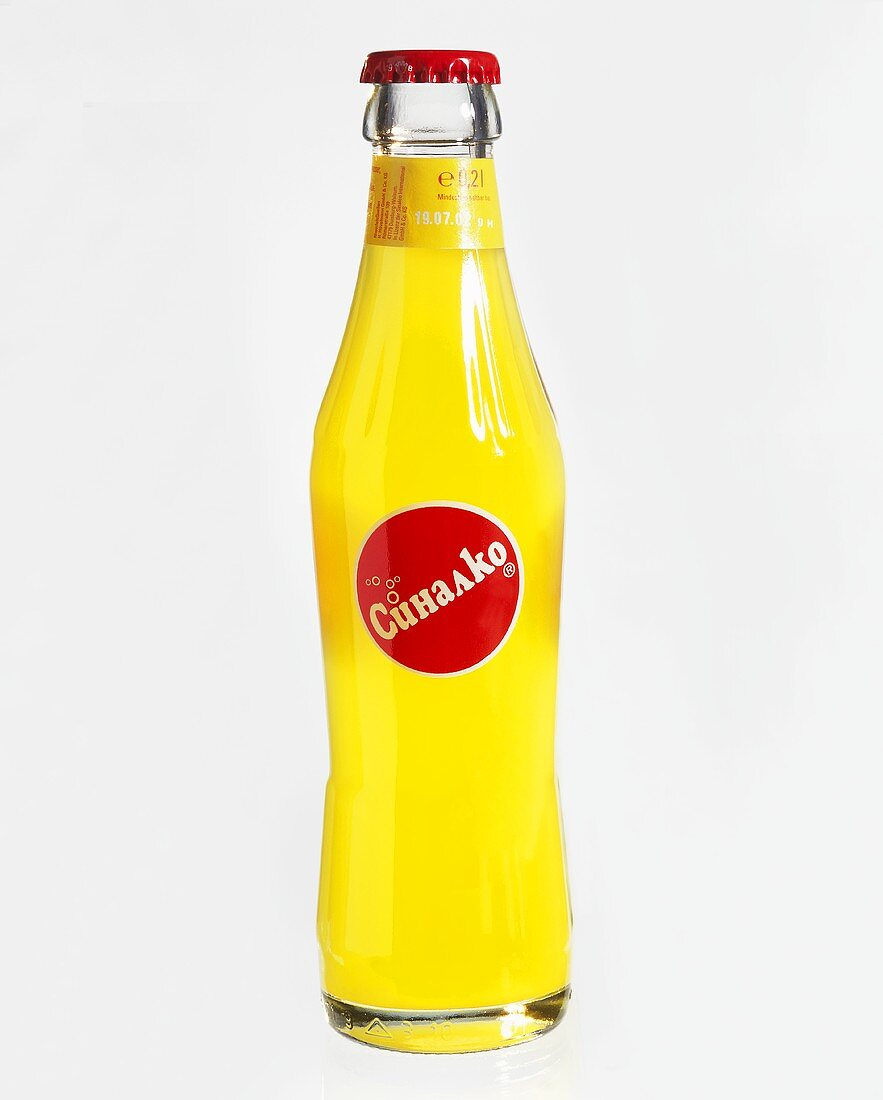 Sinalco bottle with Russian label