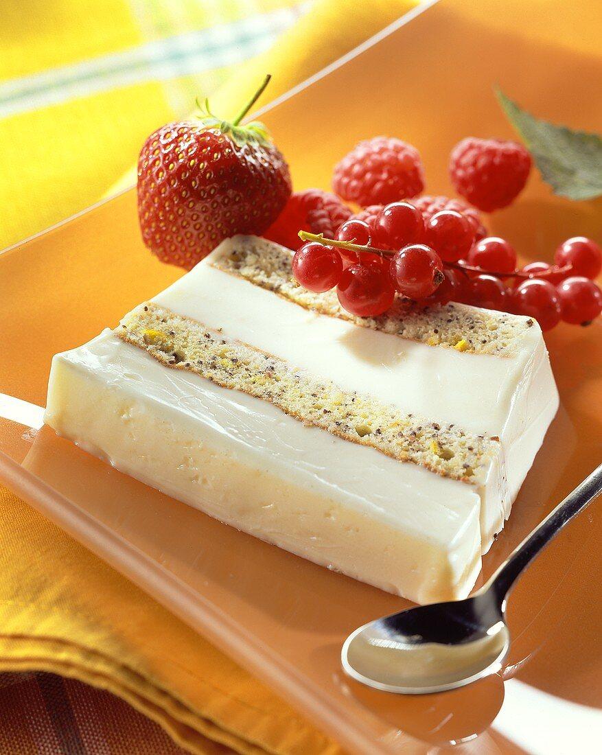 Buttermilk icecream with poppyseed & marzipan meringue, berries