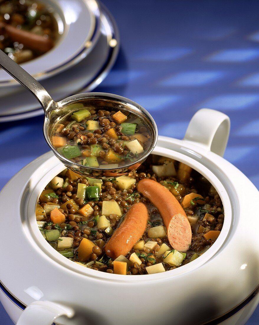 Lentil stew with Vienna sausages