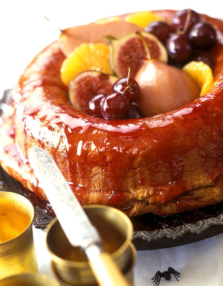 Syrup cake with fruit