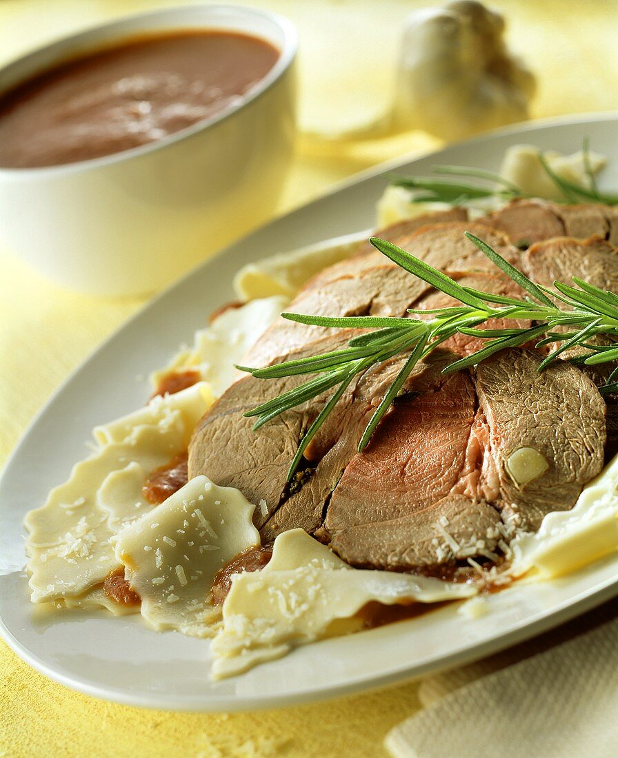 Agnello all'abbruzzese (lamb with rosemary and pasta)