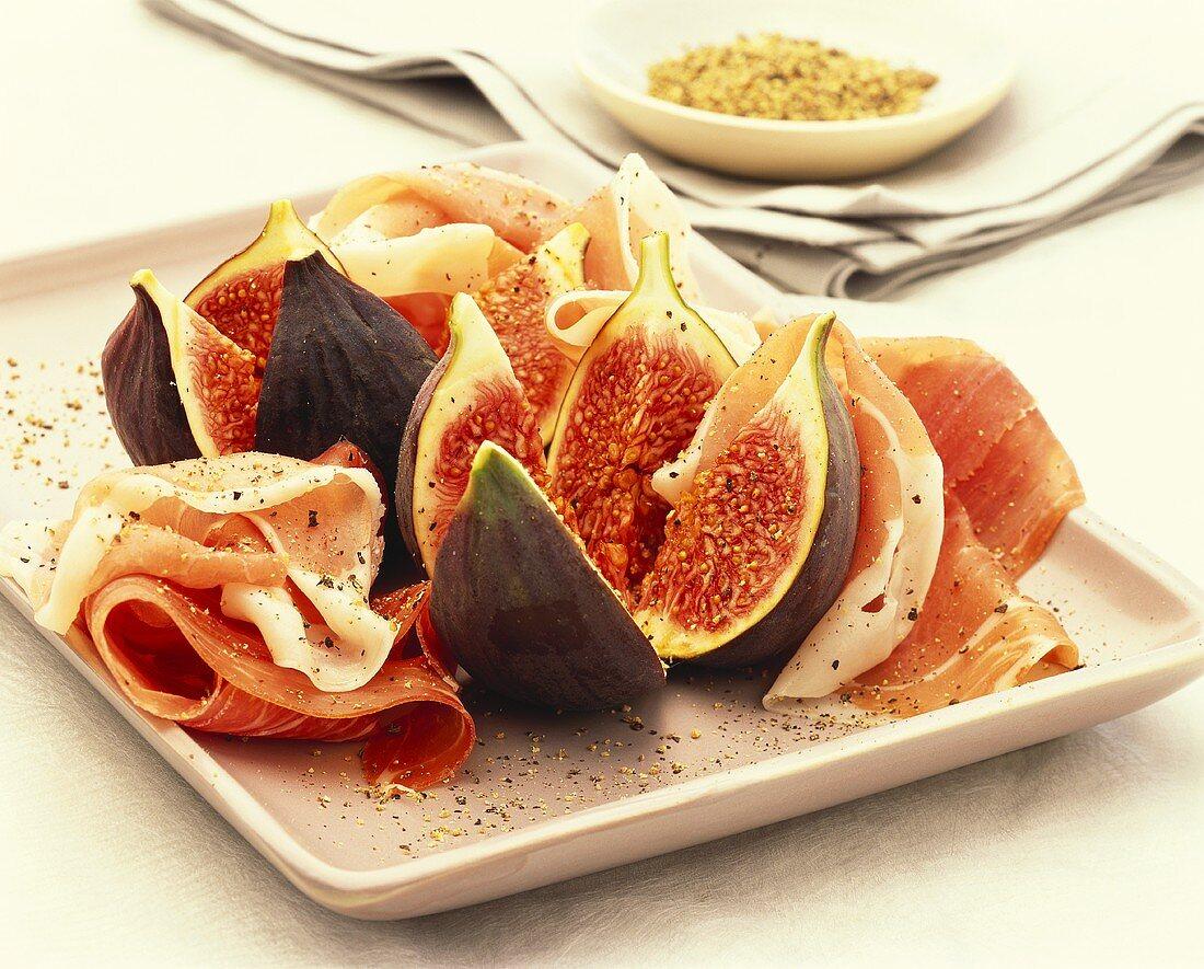 Prosciutto e fichi (San Daniele ham with figs)