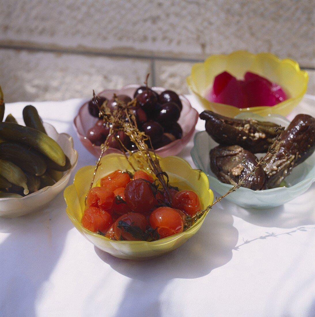 Assorted pickles (pickled vegetables)