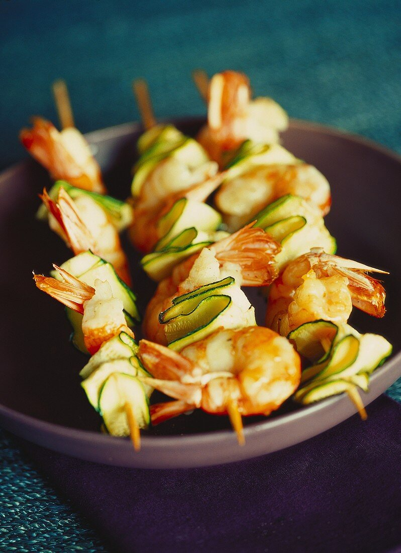 Shrimp and courgette kebabs
