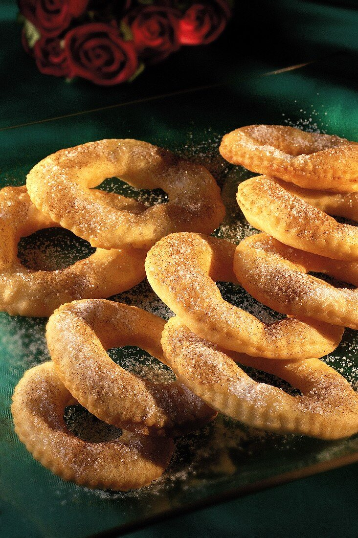 Borrachoes (pastry rings with cinnamon sugar, Portugal)