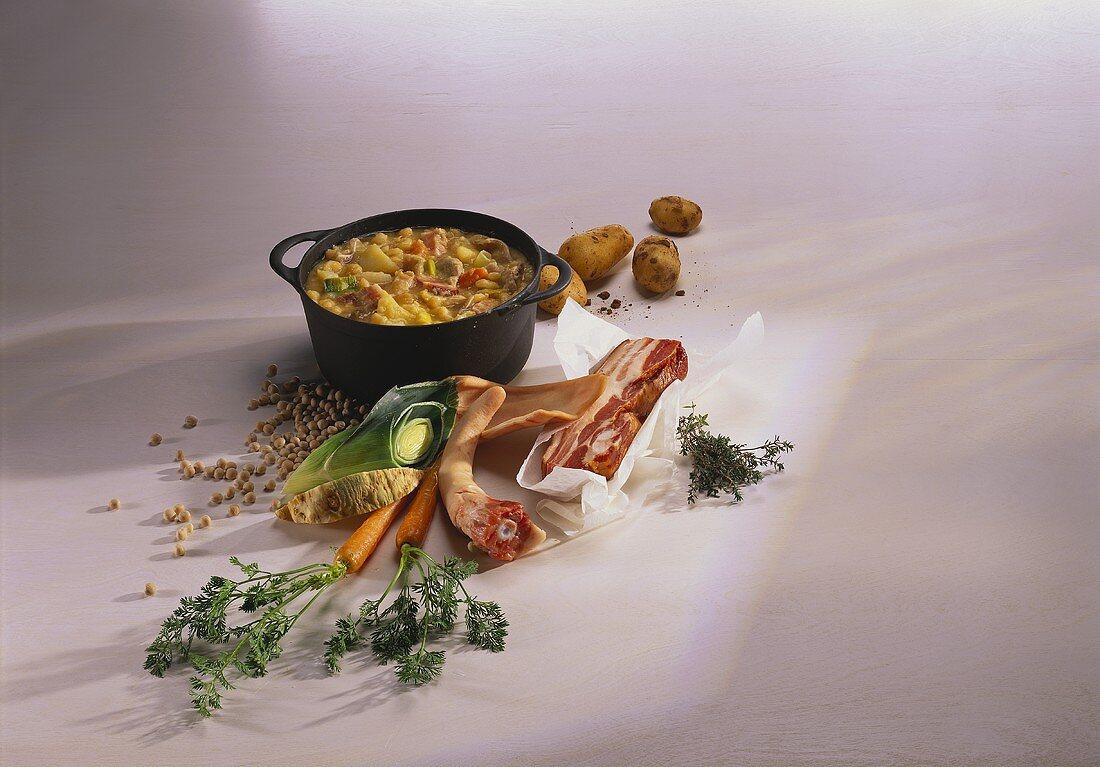 Pomeranian pea soup with pork and potatoes