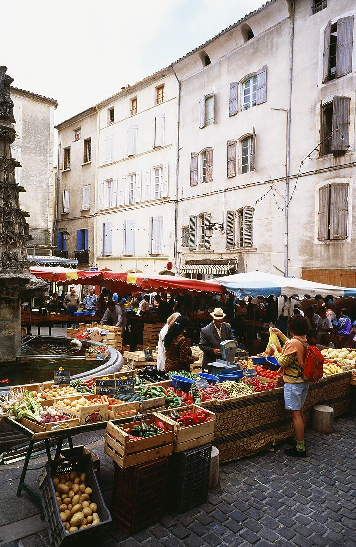 Fruit and vegetable market in Forcalquier