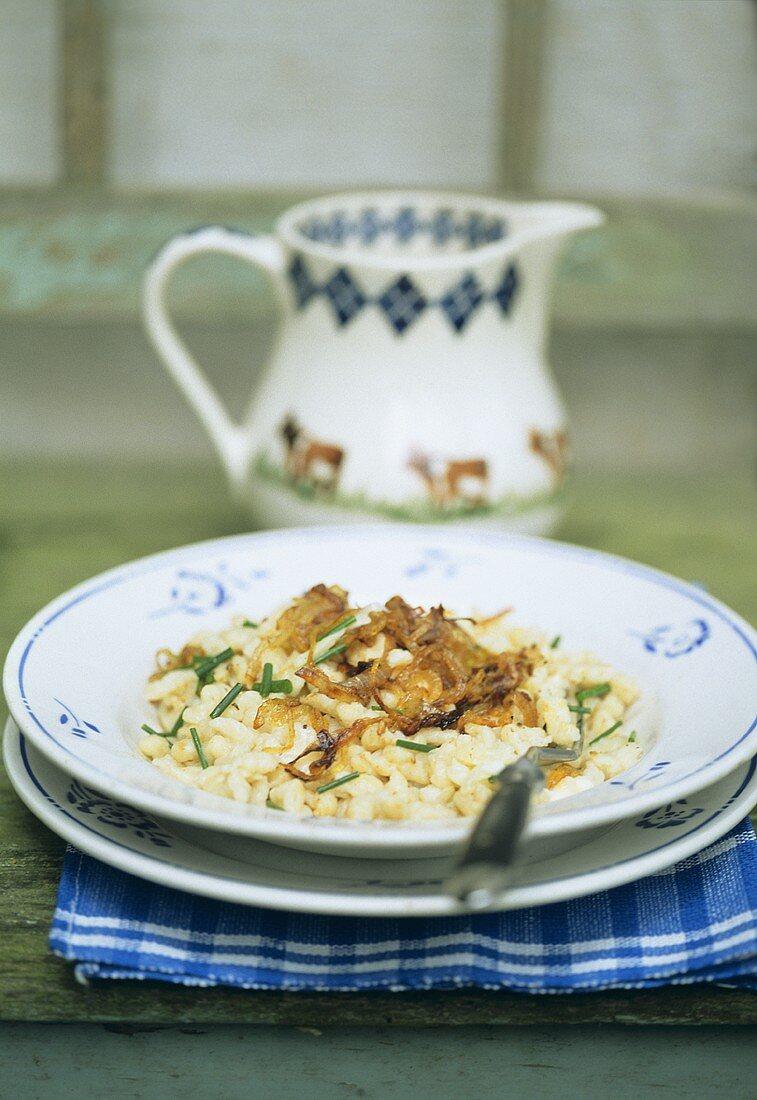 Allgäuer Kasspatzen; cheese noodles with onions