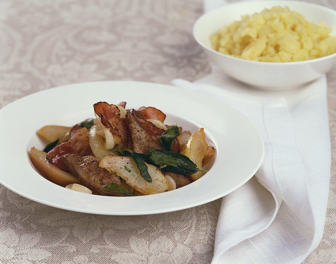 Calf's liver with apples, bacon and sage