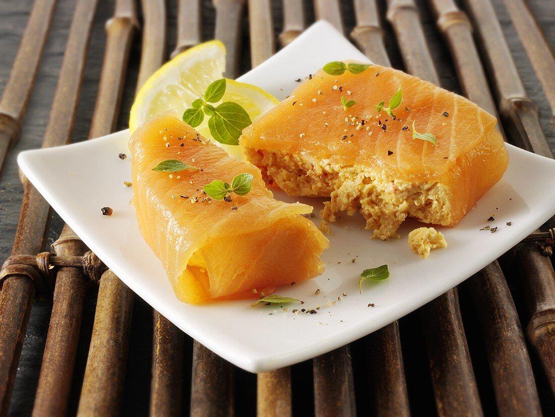 Filled salmon parcel