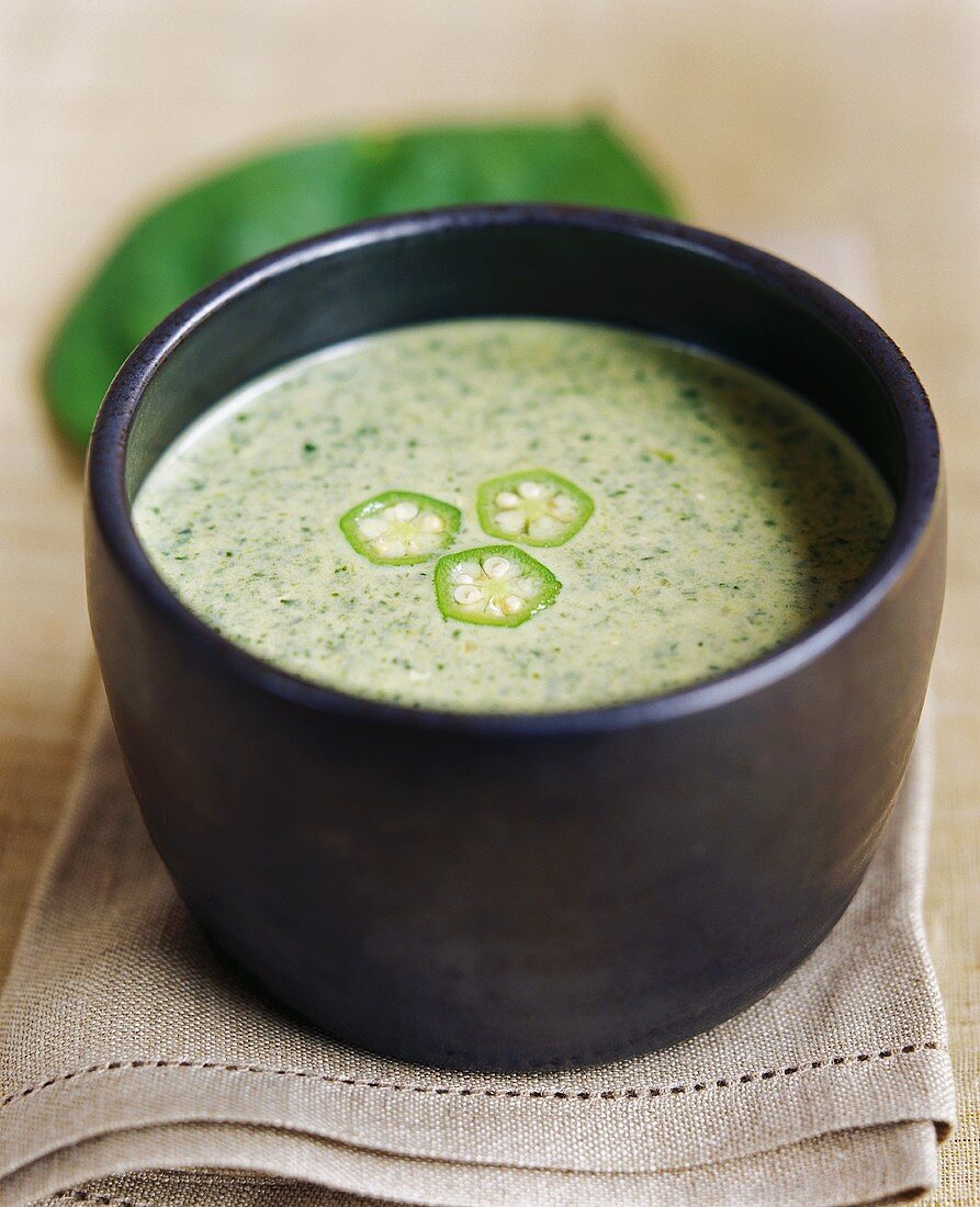 Spinach soup with okra pods