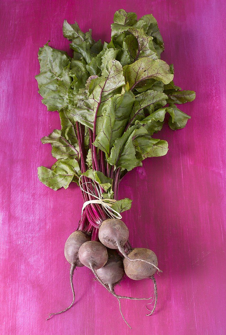 Beetroot with leaves, tied together