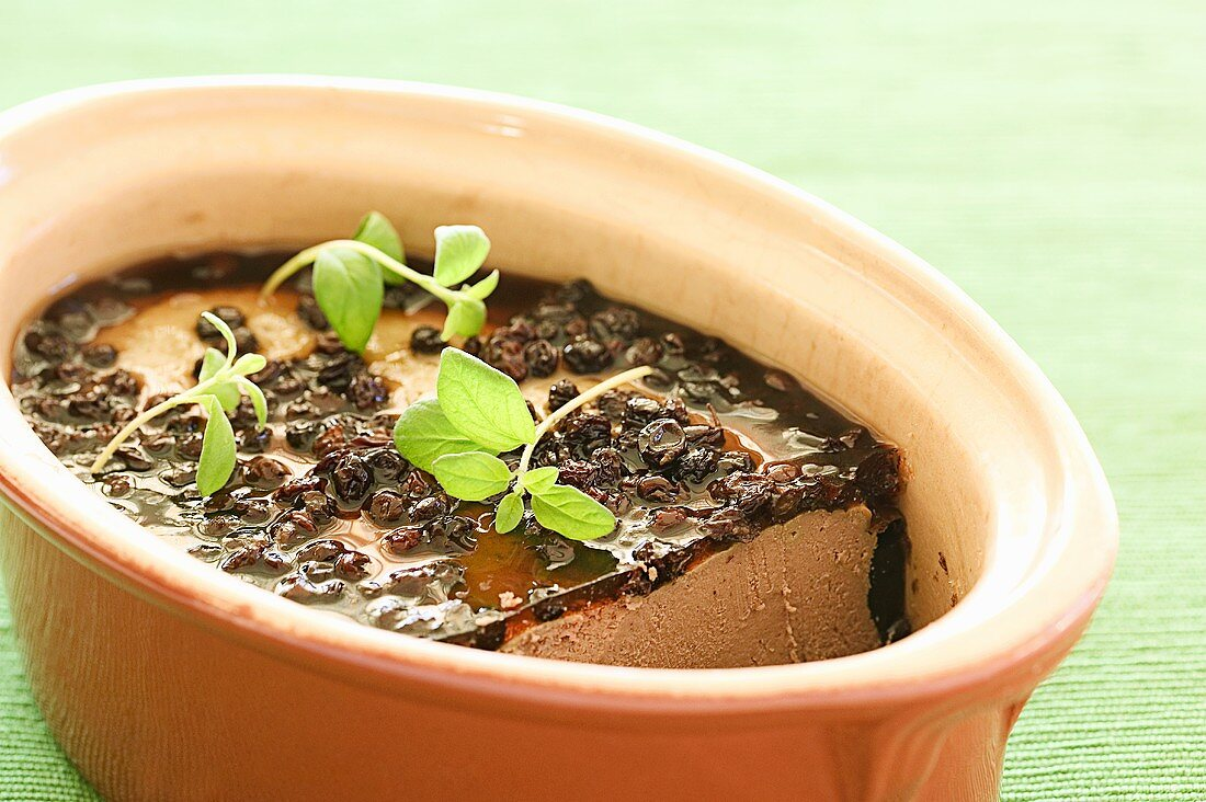 Chicken liver terrine with currant jelly