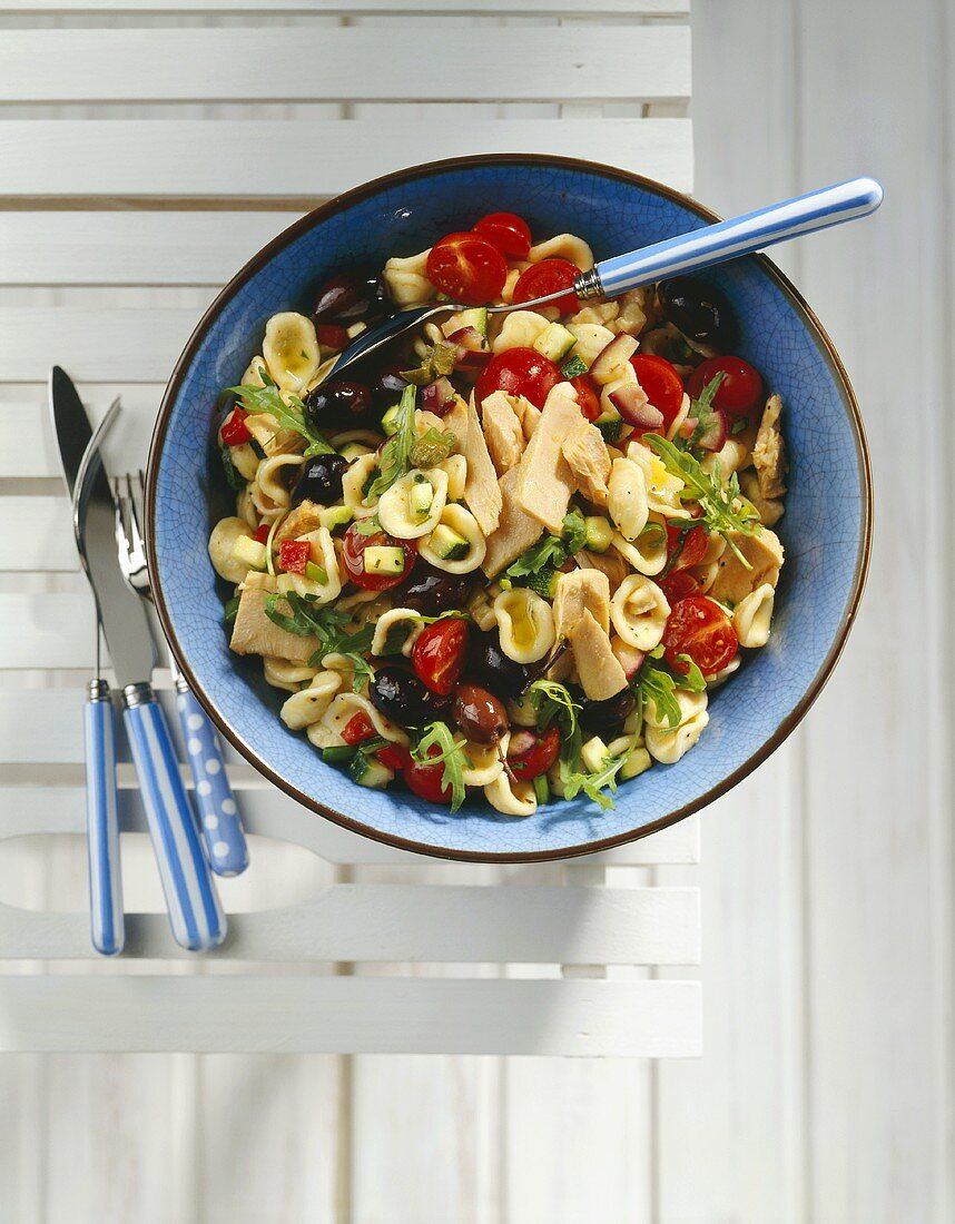 Orecchiette with tuna and summer vegetables