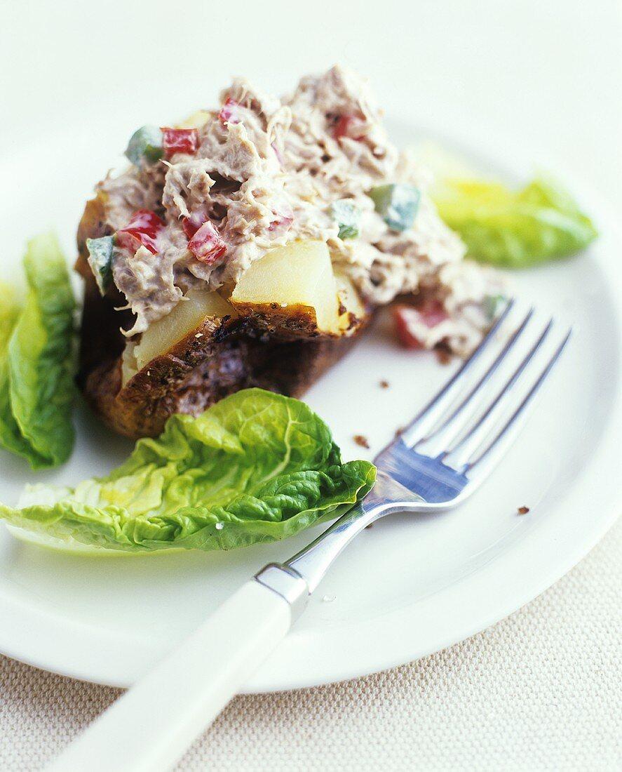 Baked potato with tuna paste