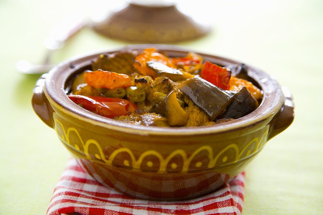 Giuvech (Bulgarian vegetable dish)