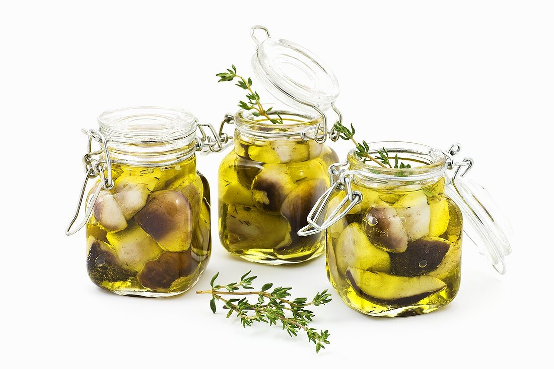 Ceps preserved in grape seed oil with thyme