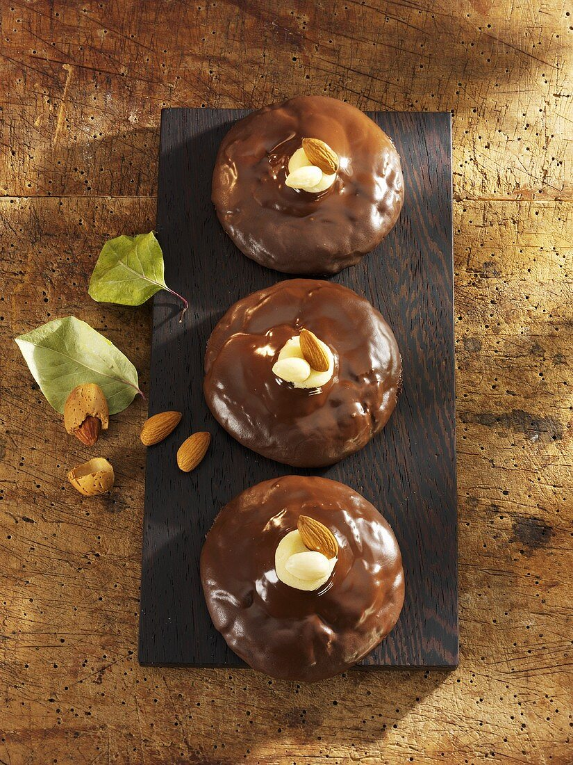 Chocolate-coated gingerbread with marzipan