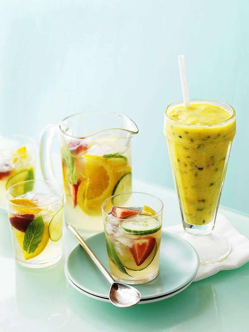 Punch with fruit and cucumber, passion fruit frappé