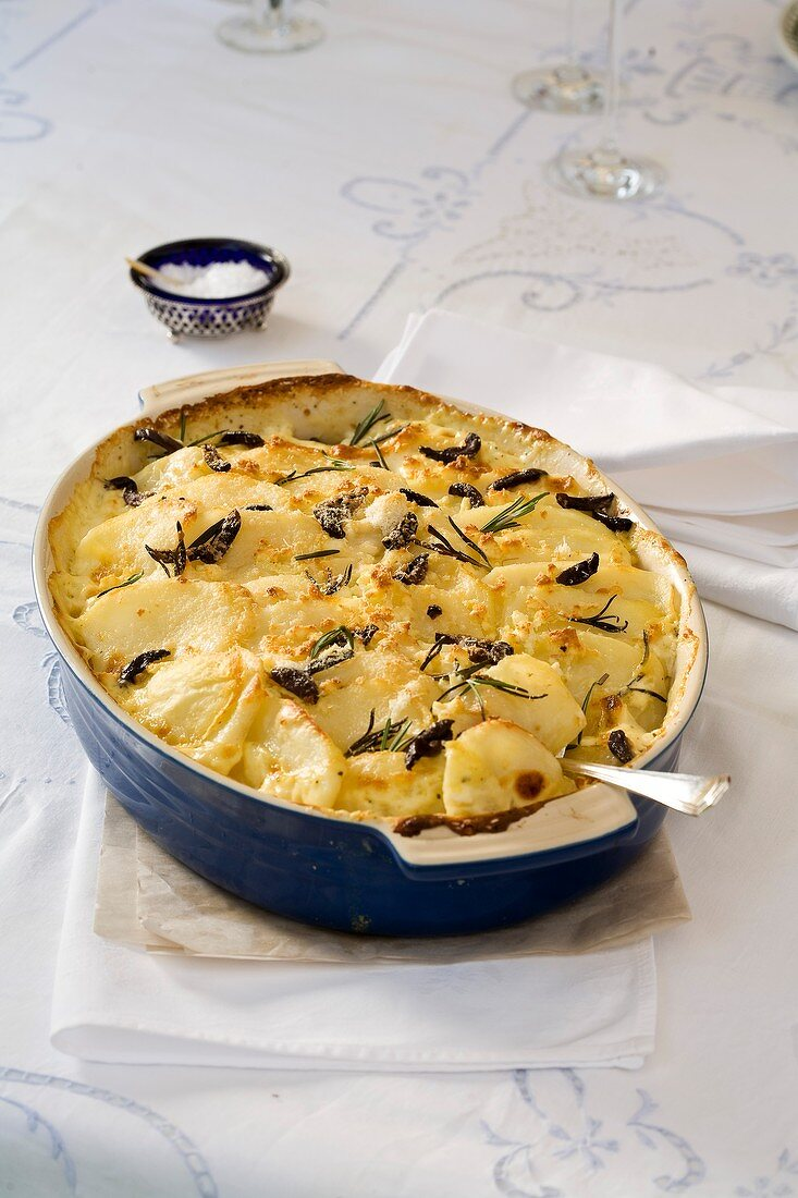 Potato gratin with rosemary