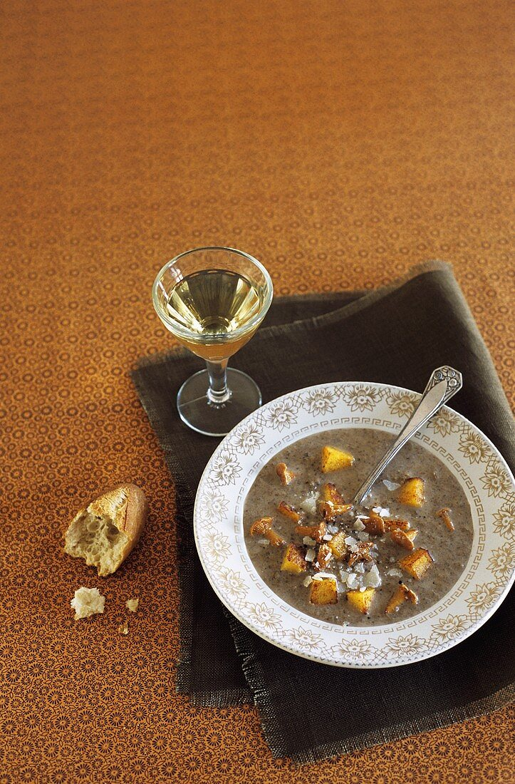 Cream of mushroom soup with Parmesan and polenta croutons