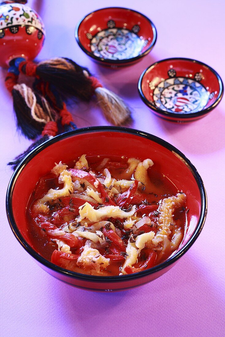 Kuttelsuppe mit Paprikaschoten auf Algerische Art