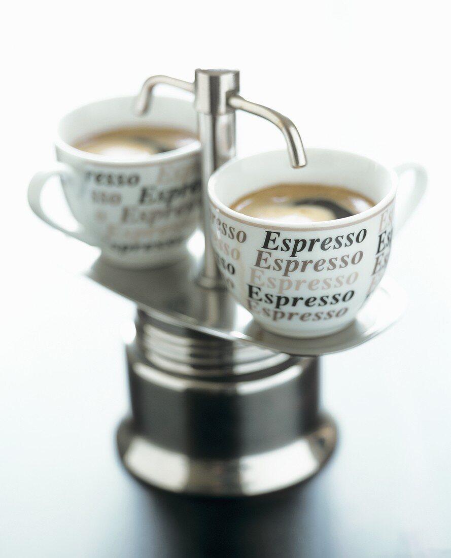 Small espresso machine with cups