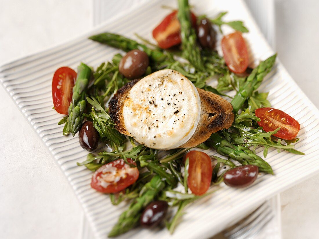 Mediterranean salad with fried goat's cheese