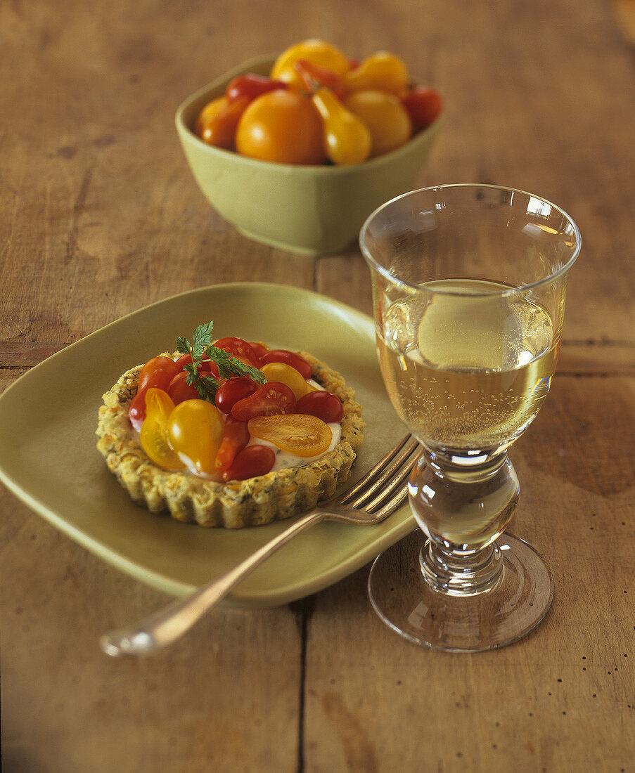 Tomato tartlet with herb quark