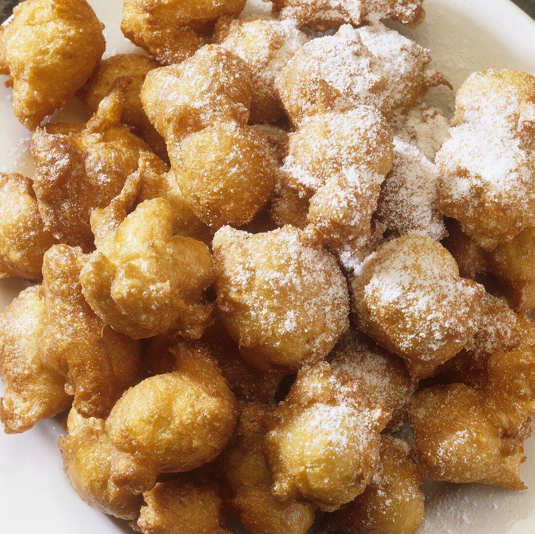 Nonnenfürzchen (Choux pastry balls, also called Förtchen)