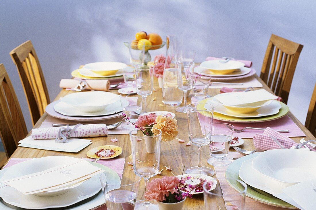 Summery table laid in pastel colours