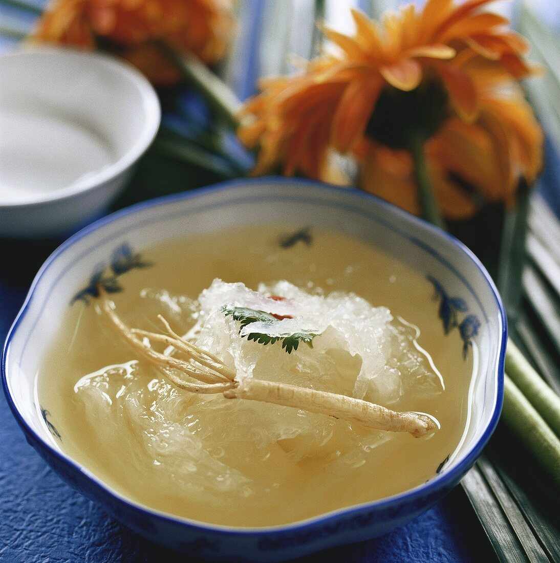 Bird's nest soup with straight ladybell root