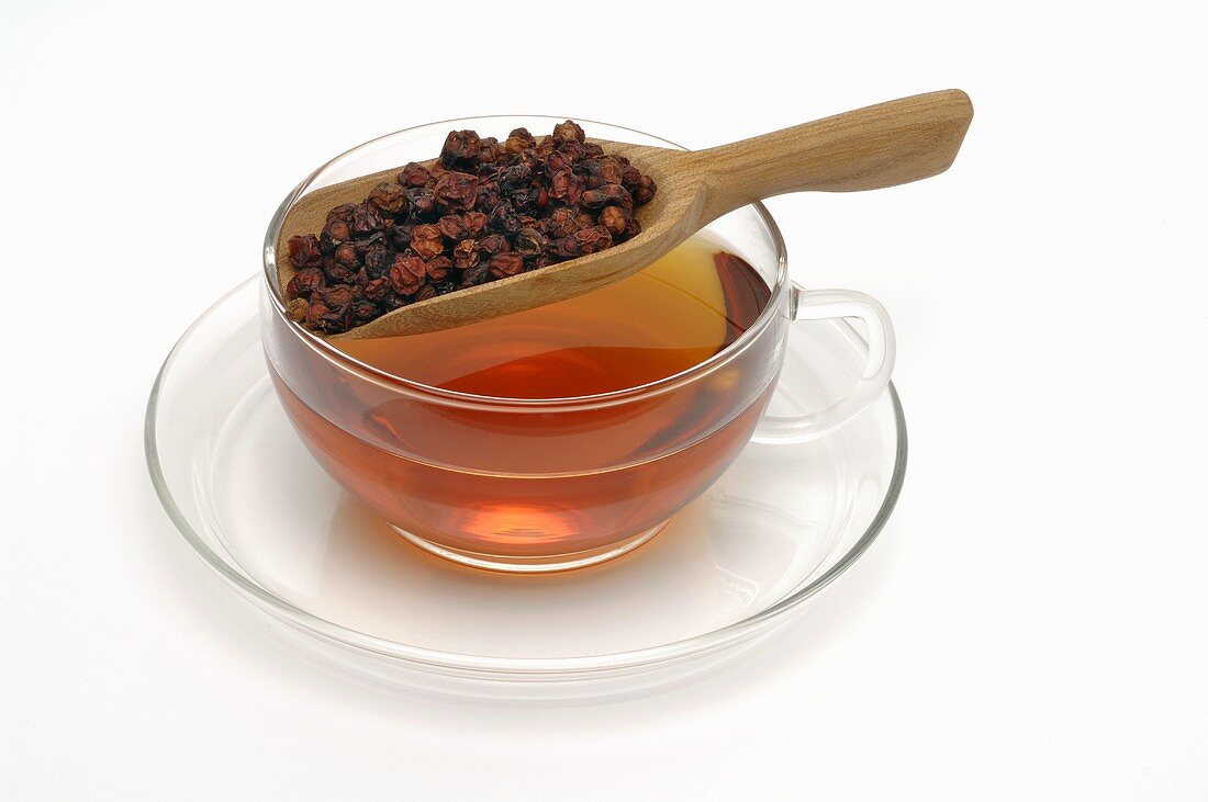 Schisandra tea and dried Schisandra berries