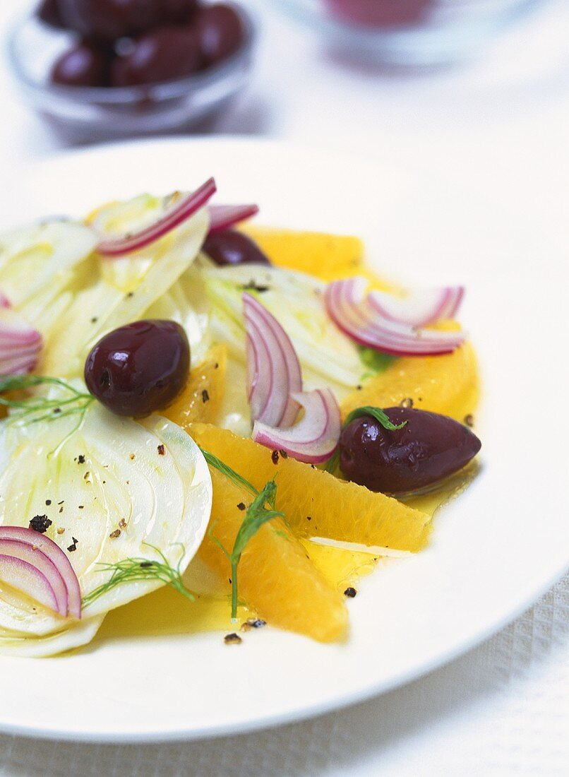 Insalata di arance (Orange salad with fennel and olives)