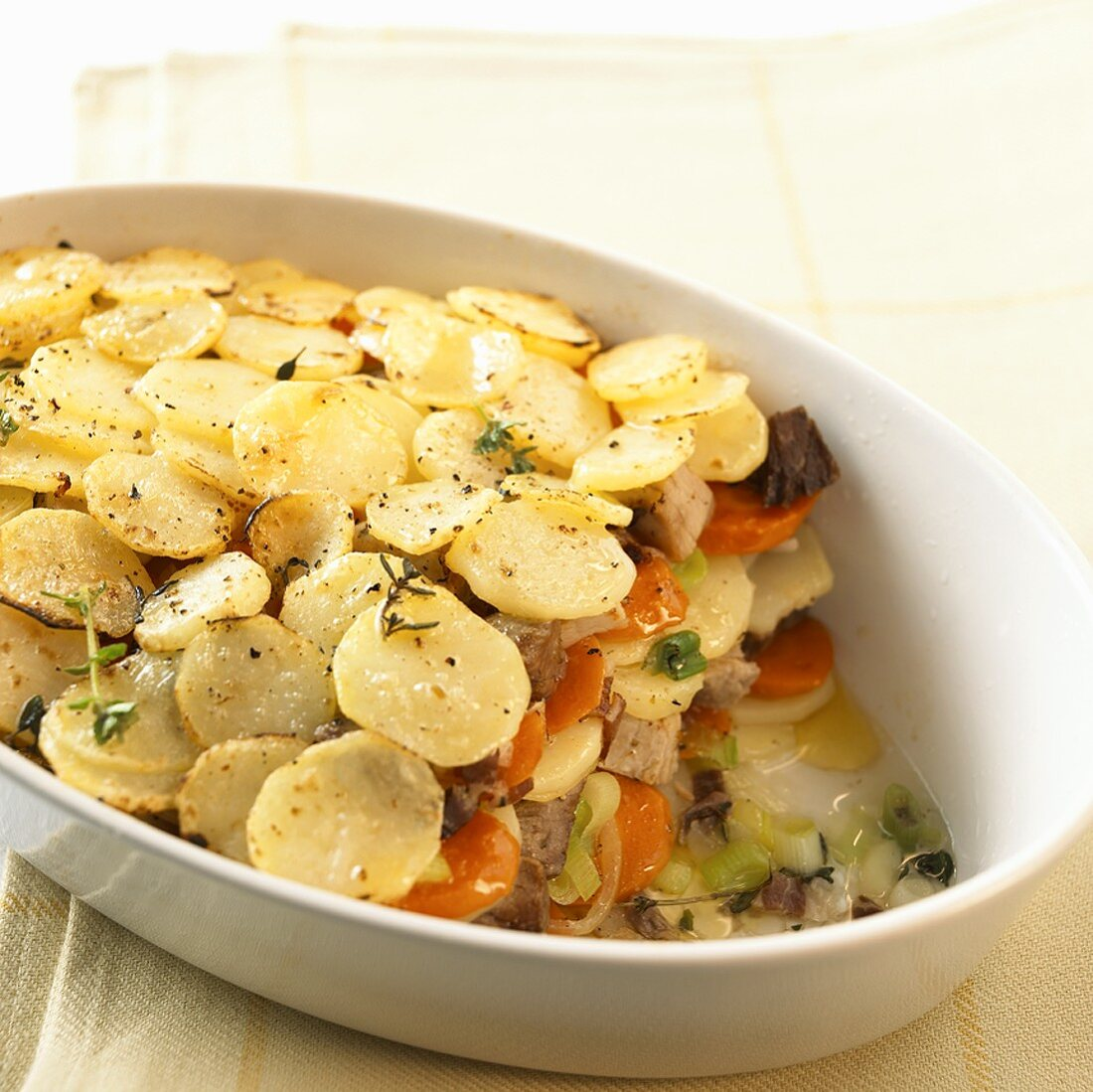Meat and vegetable casserole