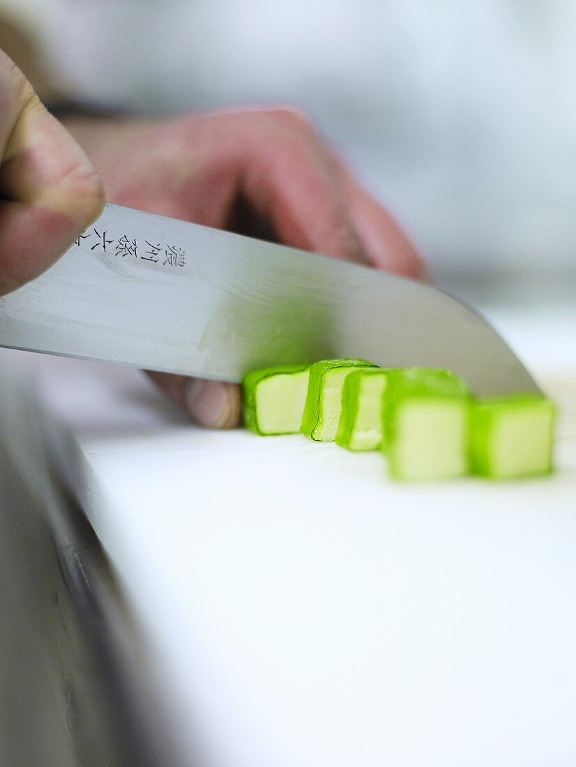 Cutting sweets