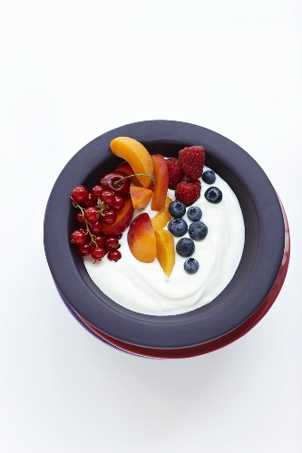 Organic yogurt with fresh fruit