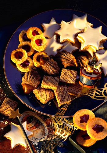 Christmas Marzipan and Nut Pastry; Cookies