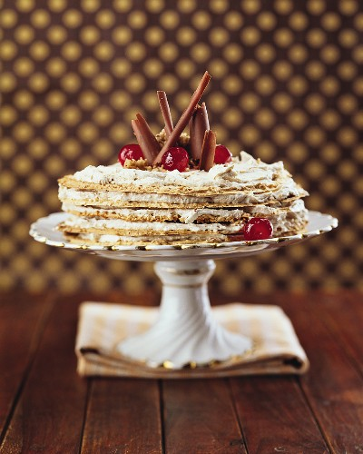Layered cake with chestnut cream