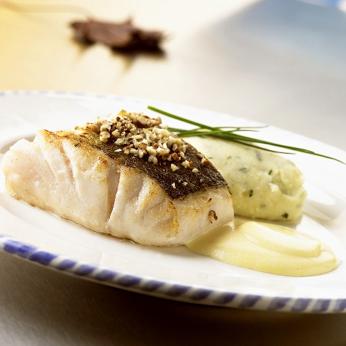 Cod fillet with chopped nuts
