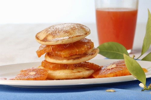 Liwanzen (yeasted pancakes) with blood oranges