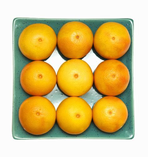 Oranges in a dish