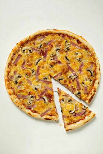 American-style ham and mushroom pizza