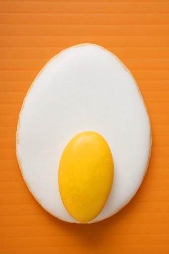 Easter biscuit (fried egg)