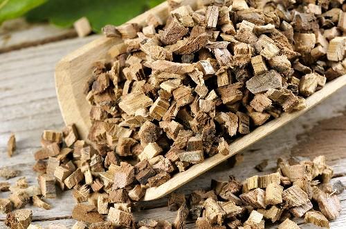 Common oak, chopped bark