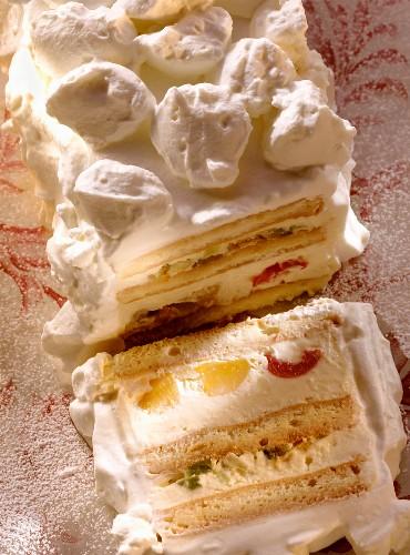 Zuppa inglese (sponge with vanilla cream), Latium, Italy