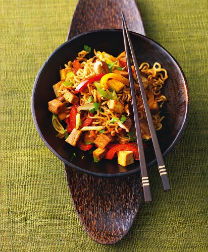 Express cooking: vegetable noodles with tofu