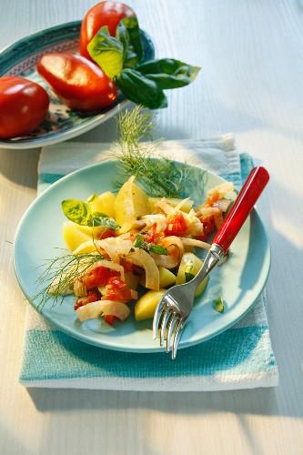 Patate al finocchio e pomodoro (potatoes and fennel)