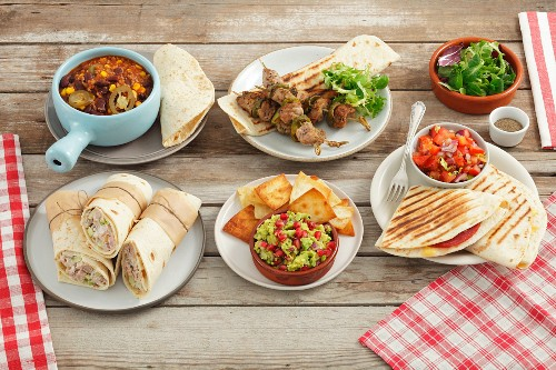 Assorted dishes with tortillas (Mexico)